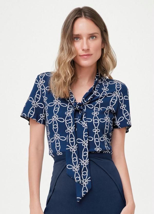 Blusa Azul Escuro Ampla com Amarração
