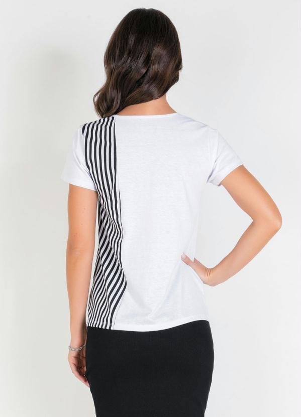 Blusa Branca com Recortes Estampados