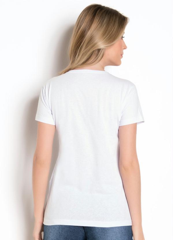 T-Shirt Branca com Aplique Frontal