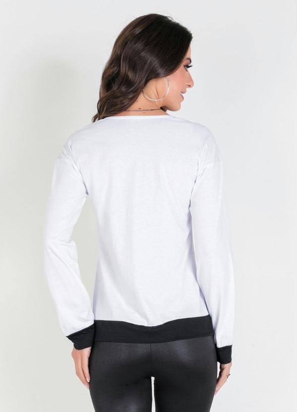 Blusa Branca com Estampa Frontal e Mangas Longas